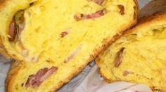 iguaria-folar-de-carne-transmontano Portuguese Sweet Bread, Portuguese Recipes, Portuguese Food, I Love Food, Good Food, Yummy Food, Food Cakes, Tapas, Sausage Bread