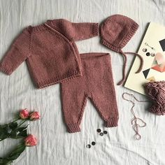 Newborn Crochet Consept 2018 Best Picture For crochet baby For Your Taste You are looking for something, and it is going to tell you exactly. Winter Baby Clothes, Knitted Baby Clothes, Cute Baby Clothes, Knitting For Kids, Baby Knitting, Baby Clothes Patterns, Crochet Bebe, Newborn Crochet, How To Purl Knit