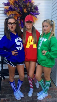disney halloween costumes - 50 bold and cute group Halloween costumes for happy girls, # for . Halloween Costume Teenage Girl, 3 People Halloween Costumes, Halloween Diy, Family Halloween, Vampire Costumes, Halloween Couples, Halloween College, Cute Halloween Outfits, Halloween Night