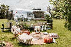 The Airstream Social is the latest pop up vintage luxury bar for weddings and events in New South Wales.but she can be so much more than just a bar! Food Truck Wedding, Wedding Catering, Wedding App, Wedding Ideas, Caravan Bar, Caravan Ideas, Coffee Table Cover, Boho Garden Party, Palm Tree Plant