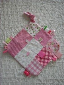 Knuffeldoekjes Baby Born, Security Blanket, Couture, Baby Sewing, Baby Gifts, Diy Crafts, Toys, Children, Fun