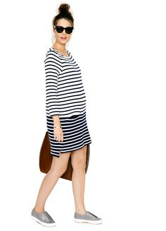 We are so in love with this stylish striped maternity dress from @hatchcollection!  #PNapproved