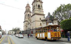 El Cabildo de Morelia consideró necesario emitir un documento reglamentario que precise, entre otros aspectos, la creación de un Consejo Municipal de Transporte Turístico que tenga como principal función la ...