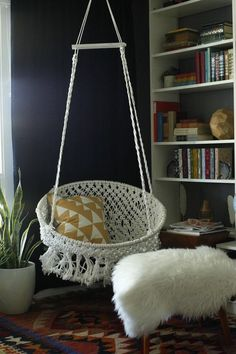 25 Creative Ways to Decorate Your Dorm Room — DIY, Budget-Friendly, Tips   Teen Vogue