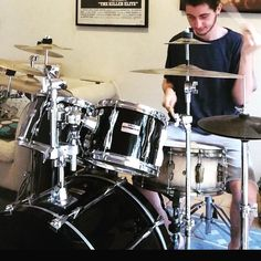 Study the greats- be greater.  #drums #drummer #drummers #drummerboy #drumsoutlet #drumsandlessons #drummingco #drummerdotcom #instadrums #instadrummer #drumwarriors #drummers_corner #drumming #bateria  #theworldofdrums #dopemusicians #beataday #musician #drumporn #yamaha #zildjian #vicfirth by saulsaragossi