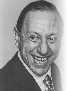 Renato Carosone...my favorite Neopolitan singer; his songs are classics!