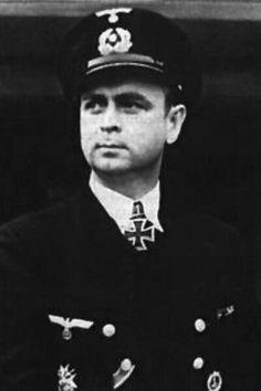 "Kapitänleutnant Gerhard Bigalk (1908-1942), Kommandant Unterseeboote ""U 751"", Ritterkreuz 26.12.1941"