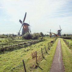 Im Westen Deutschlands ist unser Nachbarland Holland das perfekte Ausflugsziel für einen Tag oder ein Wochenende! Ob Stadt oder Natur, Holland lohnt sich!