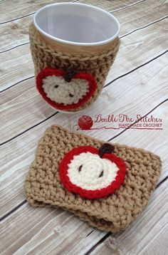 Crochet gifts for teachers coffee sleeve 37 Ideas Crochet Coffee Cozy, Coffee Cup Cozy, Crochet Cozy, Crochet Yarn, Crochet Teacher Gifts, Crochet Gifts, Coffee Cup Sleeves, Teacher Appreciation Gifts, Crochet Accessories