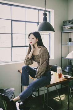 Chinese Fashion, Chinese Style, Korean Fashion, Kpop Fashion Outfits, Korean Outfits, Canvas Painting Tutorials, Asia Girl, Cute Korean, Lolita Fashion