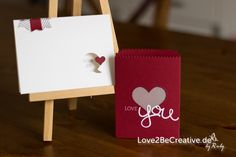 Love2BeCreative.de - by Ruby -  Stampin' Up!, Valentinstag, Valentines Day,Glutrot, Real Red, Schiefergrau, Smoky Slate, Thinlits Mini-Leckereientüte, Mini Treat Bag Thinlits, Fähnchen, Crazy about you