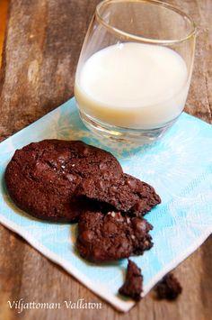 Viljattoman Vallaton: Viljattomat suklaabrookiet Glass Of Milk, Drinks, Food, Drinking, Beverages, Eten, Drink, Meals, Beverage