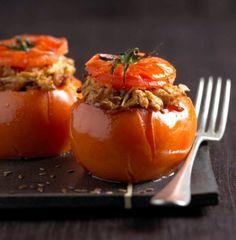 Recette tomates farcies au poulet et à l'oignon confit par La : On ne résiste pas à ce grand classique estival..Ingrédients : poulet