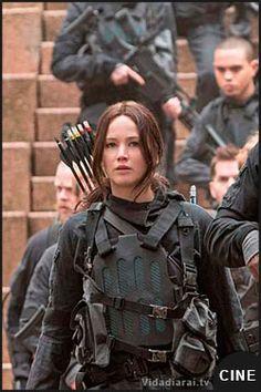 Katniss lista para la batalla en nueva imagen de Sinsajo 2 antes del tráiler