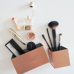 DIY Wohndeko-Ideen mit Spraydosen, Makeup dosen besprühen,
