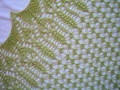 Free+Knitting+Pattern+-+Women's+Shrugs,+Wraps++Capes:+Sagittaria+Shawl
