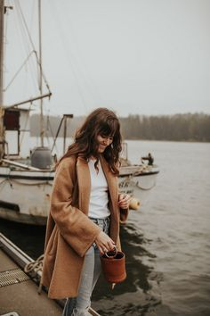 Camel Coat at the Coast #themoptop #style #outfits #ootd #fashion