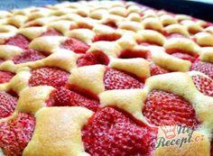 Parádní karamelové řezy   NejRecept.cz Slovak Recipes, Czech Recipes, Apple Rose Tart, Strawberry Sweets, Low Carb Pizza, Pudding Desserts, Desert Recipes, Let Them Eat Cake, Relleno