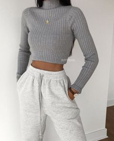 Source by cute outfits casual Cute Lazy Outfits, Retro Outfits, Stylish Outfits, Vintage Outfits, Classy School Outfits, Cute Outfit Ideas For School, Winter School Outfits, Simple Outfits For Teens, Back To School Outfits For Teens