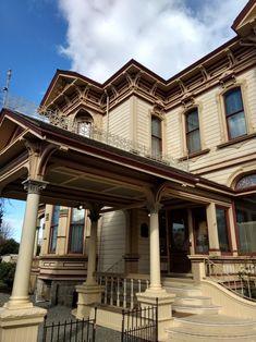 Meeker Mansion Puyallup WA, Italianate Victorian mansion (American bracketed Villa)