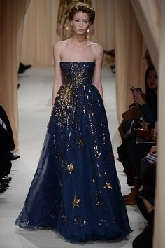 Beautiful Dresses from the Valentino Haute Couture Spring 2015 Collection Couture Mode, Style Couture, Couture Fashion, Runway Fashion, Fashion Show, Fashion Design, London Fashion, Valentino Couture, Bordon