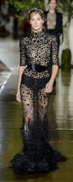 Zuhair Murad Fall-winter - Couture - www. Style Haute Couture, Couture Fashion, Runway Fashion, Fashion Beauty, Zuhair Murad, Fast Fashion, High Fashion, Fashion Outfits, Style Noir
