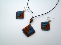 If you want to make these earrings or necklace, I will send a pdf file with 49 photos. Instructions step by step. If you have any question contact with me. Necklace Tutorial, Macrame Tutorial, Macrame Necklace, Necklaces, Bracelets, As You Like, Georgia, Pdf, Tutorials