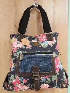 Online Clothing Boutiques, Clutch Wallet, Messenger Bag, Diaper Bag, Wallets, Campaign, Satchel, Purses, Medium