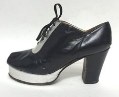 1970s black and silver leather oxford peeptoe platforms size