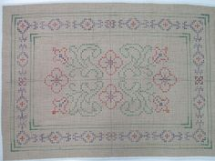 The Cross Stitch Guild - Stitch from your Stash Hula Hoop Rug, Tapete Floral, Craft Projects, Craft Ideas, Bohemian Rug, Cross Stitch, Quilts, Embroidery, Rugs