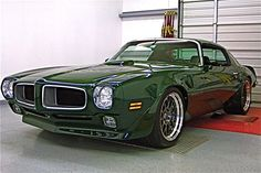 Geweldige jaren 70 Pontiac Firebird Trans Am RestoMod Old American Cars, American Muscle Cars, American Sports, Us Cars, Sport Cars, Pontiac Cars, Pontiac Firebird Trans Am, Best Muscle Cars, Car Pictures