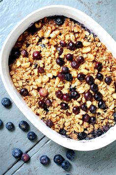 Banana Blueberry Baked Oatmeal- This was yummy! What's For Breakfast, Breakfast Dishes, Breakfast Recipes, Hotel Breakfast, Breakfast Muffins, Breakfast Items, Health Breakfast, Blueberry Oatmeal, Blueberry Chocolate