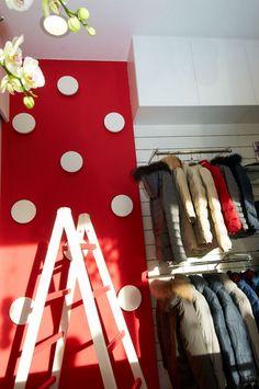arredamento negozio di abbiagliamento per bambini - retail design 4807609a314