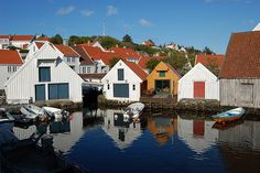 Summer in Skudeneshavn, Rogaland, south western Norway. Fishing Shack, Fishing Boats, Stavanger, Village Houses, Country Of Origin, Photography Photos, Ancestry, Cottages, Norway