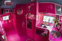 #CampingCarBarbie #BarbieBeSuperTours #UniversGrandeurNature.. #ToutRose..