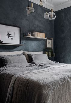 Characterful home with mineral walls - COCO LAPINE DESIGN Characterful home with mineral walls - via Bedroom Inspo, Bedroom Colors, Home Decor Bedroom, Bedroom Wall, Master Bedroom, Entryway Decor, Bedroom Ideas, Wall Decor, Wall Art