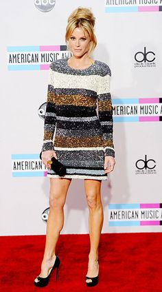 Julie Bowen in Manish Arora at the 2011 American Music Awards in L. Hollywood Actress Wallpaper, Hollywood Actress Photos, Hollywood Heroines, Girl Celebrities, Celebs, Julie Bowen, Red Carpet Gowns, Beautiful Actresses, Trendy Hairstyles