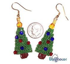 These Twinkling Christmas Tree Earrings glimmer just like a real Christmas tree! Seed bead patterns like these are a fun way to show your Christmas spirit through your accessories.