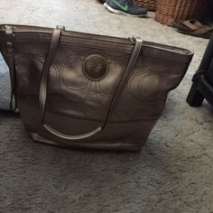 Coach Bag Medium Size Coach, Great Used Condition.. No stains inside. Includes Dust Bag. Coach Bags Shoulder Bags