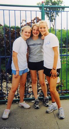 Fair ladies: The girls hang out at an amusement park. Amusing themselves was routine for t...jennifer lawrence