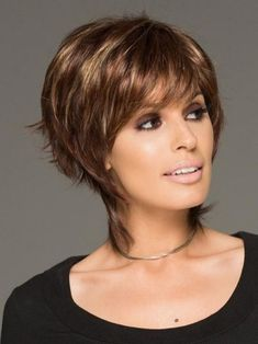 These redheads auburn balayage are amazing Latest Short Haircuts, Short Bob Hairstyles, Cool Hairstyles, Layered Hairstyles, Pixie Haircuts, Short Hair With Layers, Short Hair Cuts For Women, Short Hair Styles, Dark Ombre Hair