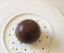 Recette Comme une Poire Belle Hélène (sphère chocolat, bavarois aux poires et mini financier) par katoune1431 - recette de la catégorie Desserts & Confiseries