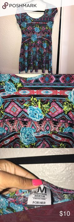 Floral /Aztec Dress Floral/Aztec dress  Size:L Print is super cute .  I absolutely aore this dress it's just too short for me now 😩😓.  Don't like the price ... make me an offer ! Dresses Mini