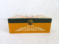 Flowers box summer box custom gift wedding gift jewelry Jewelry Gifts, Jewelry Box, Unique Jewelry, Gift Wedding, Custom Boxes, Customized Gifts, Decorative Boxes, Handmade Gifts, Flowers