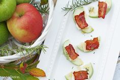 Apple Gouda Bacon Bites with Rosemary Honey Drizzle