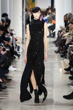 Fashion Week Paris Fall/Winter 2020 look 42 from the Akris collection womenswear Fashion Week, Skirt Fashion, Fashion Show, Stretch Pencil Skirt, Black Velvet Dress, Ribbed Cardigan, Velvet Jacket, Silk Wool, Silk Crepe