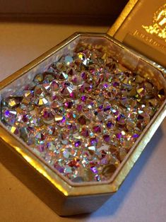 Diamond, bling y sparkle. Gold Money, Sparkles Glitter, Pink Glitter, All That Glitters, Diamond Are A Girls Best Friend, Bling Bling, Krystal, Fancy, Jewels