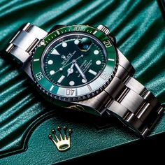 Awesome shot of Rolex Submariner with a topic Green is the new black from . Rolex Watches For Men, Luxury Watches, Cool Watches, Unique Watches, Elegant Watches, Casual Watches, Men's Watches, Vintage Watches, G Shock