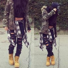 Image via We Heart It https://weheartit.com/entry/147781768 #black #boots #hat #latina #shirt #swag #darkgreen #distressedjeans #luisavirginia