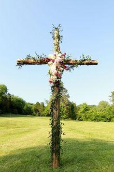 Cedarwood Weddings, Nashville Wedding Venue, Ceremony Design, Cross Alter